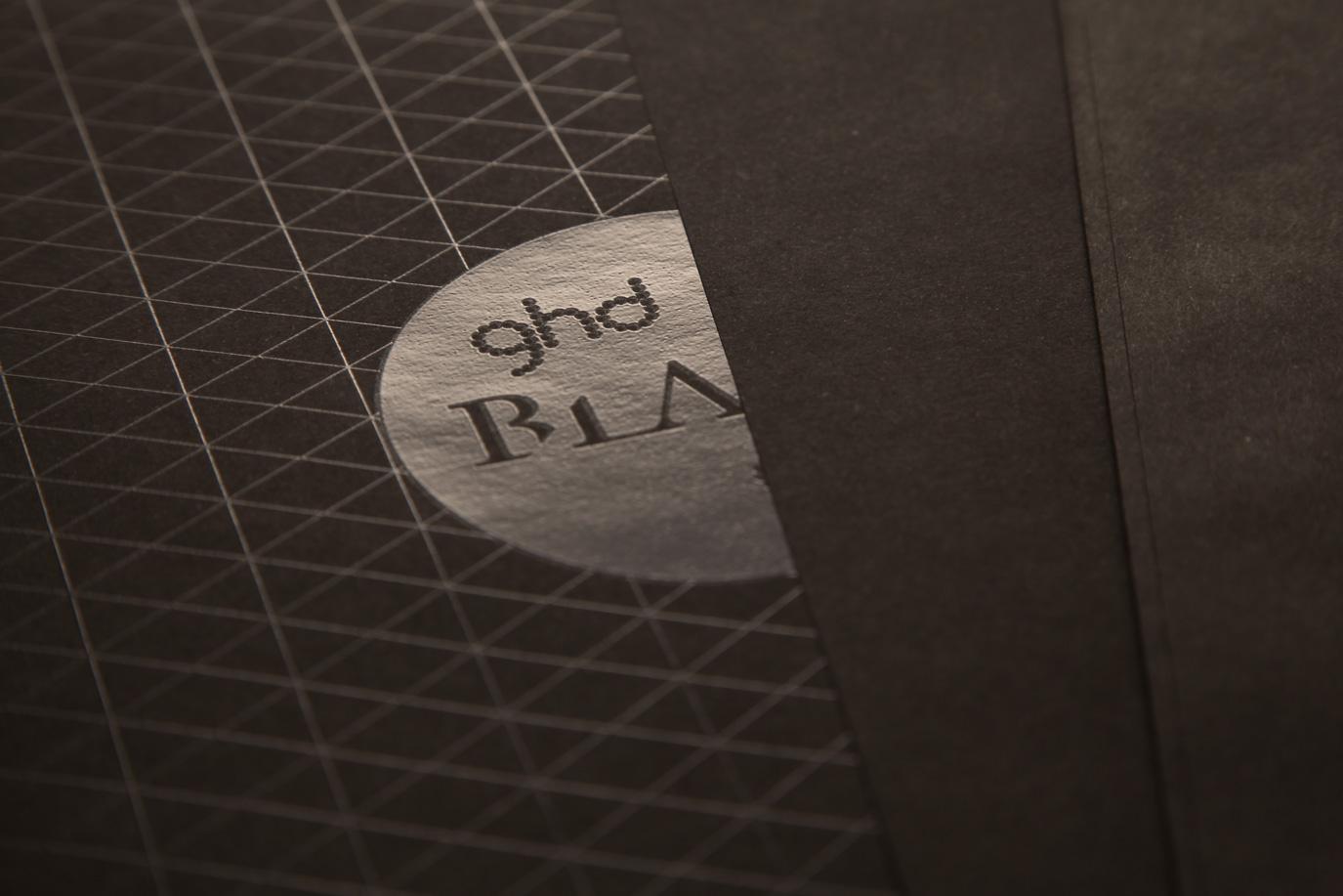 Details einer hochwertigen Geschäftsausstattung in Schwarz