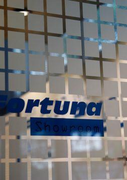 Ein Showroom zur Würdigung innovativer Maschinenlösungen – Fortuna Spezialmaschinen GmbH